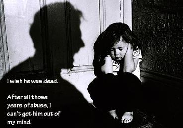 """""""Я бы хотела, чтобы он умер. После стольких лет насилия, я никак не могу заставить замолчать его голос в моей голове""""."""